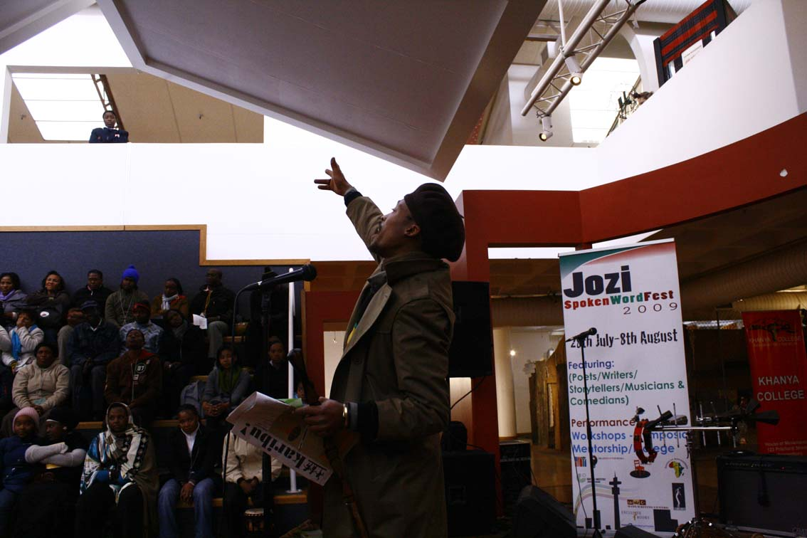 Ras Zee spitting overstanding at the Jozi Spoken Word Fest 2009